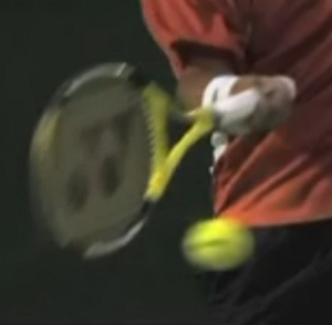Racquet path on the forehand in tennis
