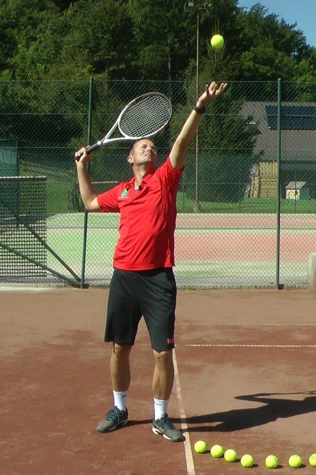 serve backswing into trophy