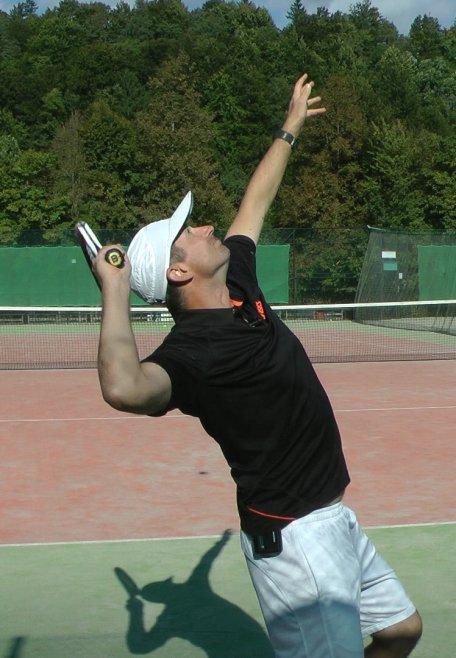 kick tennis serve
